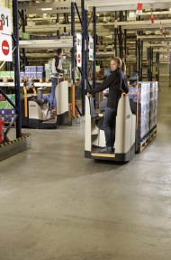 crown_eu-wt3000-transport-and-order-picking