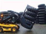 jcb-tyre-handling-clamp